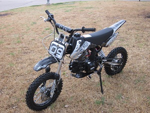 RPS EGL-09 125cc Dirt Bike, SEMI AUTO Transmission, Air Cooled 4 Stroke Single Cylinder - w/Shipping Included